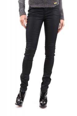 Превосходные женские джинсы.